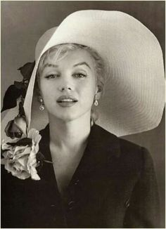 """Marilyn Monroe Classic Monent 12/""""x8/"""" Movie Star Silk Poster Door Room Decals"""