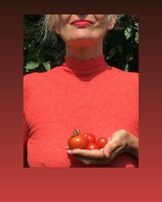 "Marisa Tabti on Instagram: ""Relentlessly Red ©️Nicolas Tabti, 2019  @nicos_photography_  #photography  #portrait  #portraitphotography  #relentlesslyred  #red…"" Relentlessly Red, Portrait Photography, Painting, Instagram, Art, Photography, Art Background, Painting Art, Kunst"