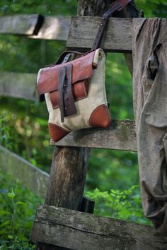 oldstyle leather and canvas messenger bag on Behance