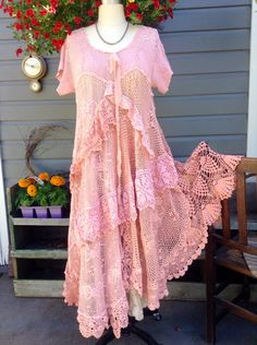 Luv Lucy Crochet Dress Lovebirds boho gypsy by LuvLucyArtToWear, Shabby Chic Outfits, Vintage Outfits, Lace Outfit, Boho Dress, Bohemian Mode, Boho Gypsy, Bohemian Style, Prom Dress Shopping, Crochet Dresses