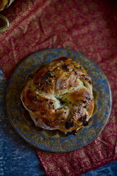 Marmita: Coroas de queijo creme e tomate seco
