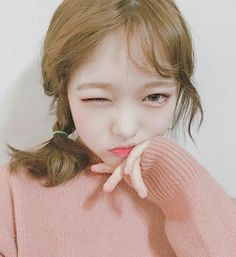 Find images and videos about girl, aesthetic and korean on We Heart It - the app to get lost in what you love. Ulzzang Hair, Ulzzang Makeup, Korean Girl, Asian Girl, Ash Blonde Hair, Fashion Poses, Ulzzang Fashion, Korean Makeup, Look At You