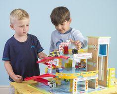 Le Grand Garage| Le Toy Van | Buy online at DirectToys NZ