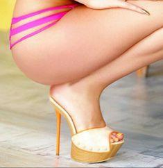 Wooden mules, great legs and tush #hothighheelslegs #stilettoheelsdress