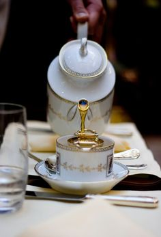 Glamorous Luxury LIFESTYLE - cup of tea