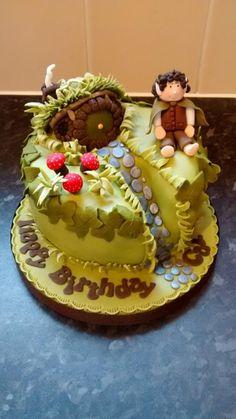 The Hobbit inspired cake, all edible. Crazy Cakes, Fancy Cakes, Homemade Desserts, Homemade Cakes, Beautiful Cakes, Amazing Cakes, Hobbit Cake, Hobbit Party, Cake Story