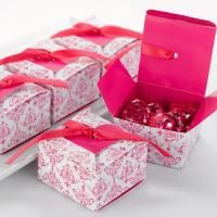 Fuchsia Heart Flap Favor Boxes - Fuchsia Ribbon Unique Favor Boxes White favor boxes with fuchsia damask pattern, fuchsia heart accent and fuchsia Wedding Favor Boxes, Unique Wedding Favors, Wedding Party Favors, Diy Party, Wedding Ideas, Party Gifts, Wedding Planning, Creative Gift Packaging, Wedding Favors Unlimited