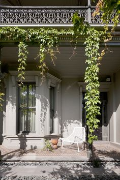 A Victorian Terrace House In Melbourne Victorian Homes, Victorian Terrace House, Front Garden, House Exterior, Beautiful Homes, Modern Victorian, House Painting, Australian Homes, Terrace House