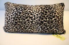 Housse de coussin: Léopard et fin velours noir / black leopard & velvet fabric de la boutique AteliersTaffetas sur Etsy Boutique, Etsy, Black Velvet, Slipcovers, Home, Boutiques