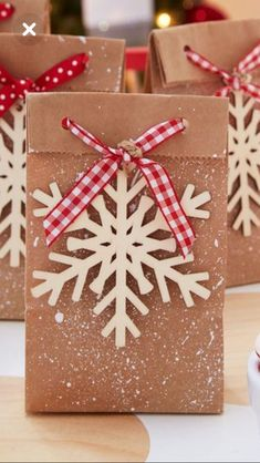 65 Ideas For Diy Paper Bag Wrapping Last Minute Christmas Gifts, Christmas Gifts For Coworkers, Christmas Gift For You, Christmas Bags, Noel Christmas, Christmas Gift Wrapping, Christmas Paper, Holiday Gifts, Christmas Crafts