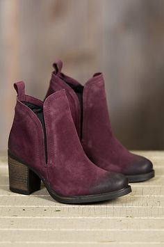 Waterproof and wonderful, the Belfield Suede Ankle Boot navigates the season in stunning urban style. Free shipping + returns.