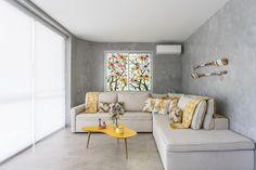 7 dicas para aplicar cimento queimado na parede   CASA.COM.BR Rustic Chic, Sofas, Couch, Furniture, Design, Home Decor, Small Space Living, Cement Walls, Woodburning