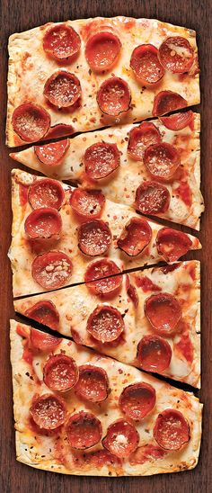 Thin Crust Pepperoni #Pizza made in the oven or on the grill with a #flatbread…
