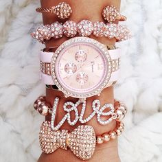 LOVE THESE BRACLETS AND WATCH DOES ANYONE KNOW WHERE TO FIND THEM I HAVE BEEN LOOKING FOR DAYS PLEASE COMMENT ANYONE IF YOU KNOW THANK YOU