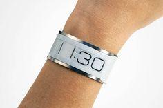 CST-01, la montre design à encre électronique ultra-fine