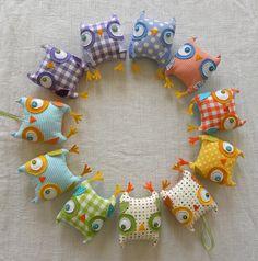 owly rainbow by krakracraft, via Flickr Make an owl wreath!