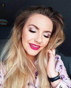 Make up 👰 🤵  #weddingmakeup #makeup #makeupartist #makeupparty #makeuplover #makeupideas #makeready #polishgirl #girl #selfie #blondehair… Make Ready, Party Makeup, Polish Girls, Wedding Make Up, Blonde Hair, Selfie, How To Make, Instagram, Wedding Makeup
