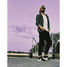 """Quando siete felici fateci caso. "" Outfit by:@jackandjones_ravenna . . . . #jackjones @jackandjones #outfit #man #modauomo #fashion #marinaromea #centrocommercialeESP #ravenna #boyman #look #mood #swag #like #instagood #instamood #instame #peposifaiselfie #top"