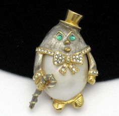 KJL Kenneth Jay Lane Humpty Dumpty Pearl Rhinestone Brooch BK PC