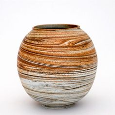 Adam Buick   http://www.studiopottery.co.uk/images/stories/buick_a/AdamBuick13.jpg