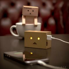 Robot Head Portable Charger  650x650 Daily Gadget Inspiration #68