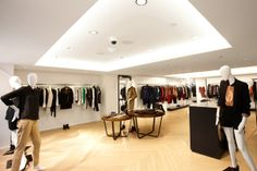 ladies boutique interiors | Literally Obsessed: French Brand Sandro Opens Its First Us Store Retail Interior Design, Boutique Interior, New York Shopping, Nyc Fall, Retail Shelving, French Brands, Ladies Boutique, Sandro, Parisian