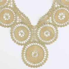 Pas cher 1 Pc or broderie décolleté Costume décor couture Applique artisanat collier de dentelle S10910, Acheter  Dentelle de qualité directement des fournisseurs de Chine:        Descriptions: (cm)               Longueur: 27.5 cm             Largeur: 24.5 cm                  &nb