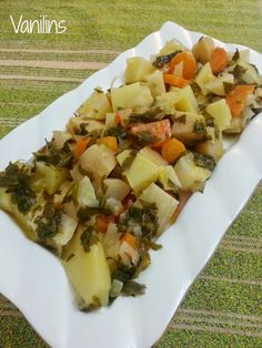 """Ayvalı Portakallı Kereviz The recipe of this evening is """"Celery with orange, quince, with a delicious olive oil. Vegetable Recipes For Kids, Vegetarian Recipes For One, Vegetarian Salad, Healthy Menu, Healthy Recipes, Healthy Life, Menu Dieta, Valeur Nutritive, Cauliflower Recipes"""
