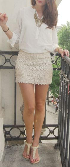Sophisticated look. Lace skirt with plain white top, with a beautiful necklace thrown in Summer Shorts Outfits, Skirt Outfits, Dress Skirt, Lace Skirt, Outfit Summer, Swag Dress, Cotton Skirt, Dress Shoes, Look Fashion