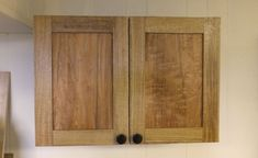 Box Joint Library Cupboard - A Woodworkweb woodworking video Inset Cabinets, Diy Kitchen Cabinets, Kitchen Cabinet Doors, Cupboard, Furniture Projects, Wood Projects, Home Furniture, Popular Woodworking, Woodworking Videos