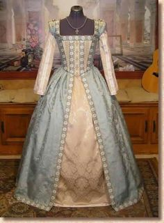 Medieval and Renaissance Dresses.....blue and yellow Tudor renaissance dress