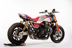 La Honda CB1100TR Concept nasce per condividere l'emozione e l'adrenalina della cultura statun...