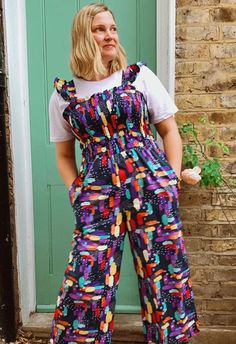 Lovely Louise in her amazing and super colourful #cwraspberryjumpsuit #raspberryjumpsuit #cocowawapatterns #sewing