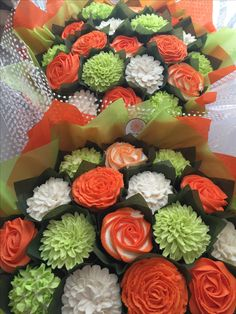 Matching cupcake bouquets for a birthday party www.bakedblooms.com