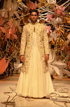 India Bridal Fashion Week 2013 – Rohit Bal men's bridal outfit with skirt and models secret models Saree Wedding, Wedding Wear, Wedding Suits, Rohit Bal, Indian Bridal Fashion, Bridal Fashion Week, Kurta Men, Indie Mode, Traditional Indian Wedding