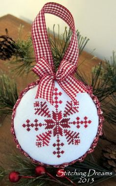 Stitching Dreams-nice finish and choice of threads for this free snowflake pattern. Cross Stitch Christmas Ornaments, Xmas Cross Stitch, Xmas Ornaments, Christmas Cross, Cross Stitch Charts, Cross Stitch Designs, Cross Stitching, Cross Stitch Embroidery, Cross Stitch Patterns