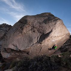 This is just WOW - Bishop asteroids #Bouldering #RockClimbing