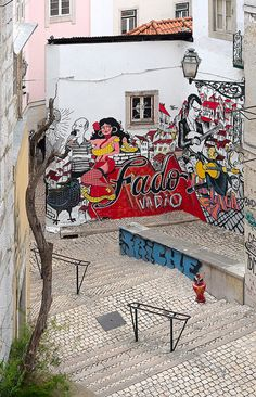 Street art - Fado Vadio, Lisbon, Portugal - even graffiti looks better Street Art Graffiti, Murals Street Art, 3d Street Art, Amazing Street Art, Street Artists, Sintra Portugal, Spain And Portugal, Banksy, Art Mur