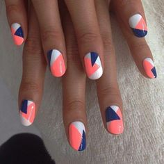 Geometric nail art designs look beautiful and chic on short and long nails. Geometric patterns in any fashion field are the style that fashionistas dream of. This pattern has been popular in nail art for a long time, because it is easy to create in n Diy Nails, Cute Nails, Nagel Hacks, Nails Today, Nail Art Pen, Diy Nail Designs, Coral Nail Designs, Coral Nail Art, Coral Nails With Design