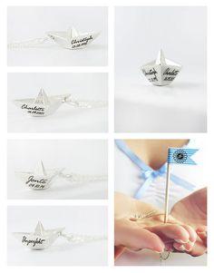 Papierboot mit Gravur