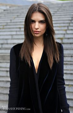 Emily Ratajkowski - Bing Images