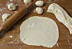 aluat turte julfa Dairy, Cheese, Traditional, Desert Rose, Desserts, Recipes, Bonsai, Food, Natural