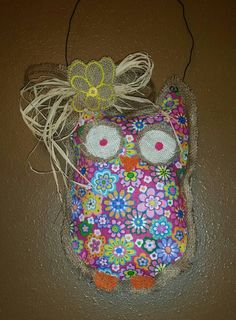 Check out this item in my Etsy shop https://www.etsy.com/listing/229374861/pink-floral-burlap-owl