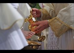 Pope Washes Feet At Mass Of Last Supper