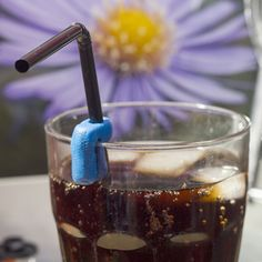 How to make drinking easier with a sugru straw clip