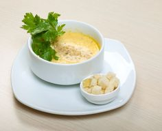 Cibuľová polievka so smotanou