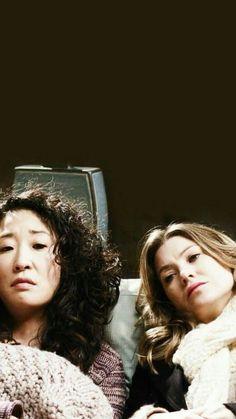 Cristina e Meredith Cristina Yang, Cristina And Meredith, Meredith Grey, Grey's Anatomy, Hello Barbie, Grey Quotes, Dark And Twisty, Retro Photography, Cinema