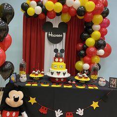Mickey Mouse Head 2FT Customizable Cutouts Party Decor Prop | Etsy Festa Mickey Baby, Mickey Mouse Birthday Decorations, Theme Mickey, Mickey Mouse Clubhouse Birthday, Mickey Birthday, Mickey Party, Mickey Minnie Mouse, Fiesta Mickey Mouse, Mickey Mouse Balloons