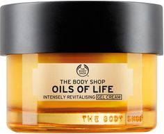 Our Oils of Life™ Intensely Revitalizing Gel Cream is a lightweight moisturizer that nourishes the skin with a non-greasy feel. Essential oils leave skin feeling softer, hydrated, and radiant, while illuminating micro pearls create a radiant finish. The Body Shop, Body Shop Online, Cream For Oily Skin, Are Essential Oils Safe, Oil Shop, Facial Oil, Natural Cosmetics, Jelsa, Organic Skin Care