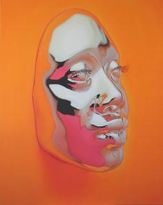 Kip Omolade réalise des moulages chromés du visage de ses modèles, puis les reproduit en peinture à la perfection.